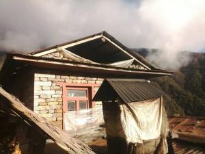 quelques images des dégâts subis par les maisons de Surkey après le dernier séisme du 12 mai